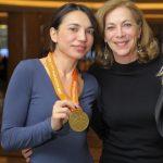 Con Kathrine Switzer e la medaglia della NYCM