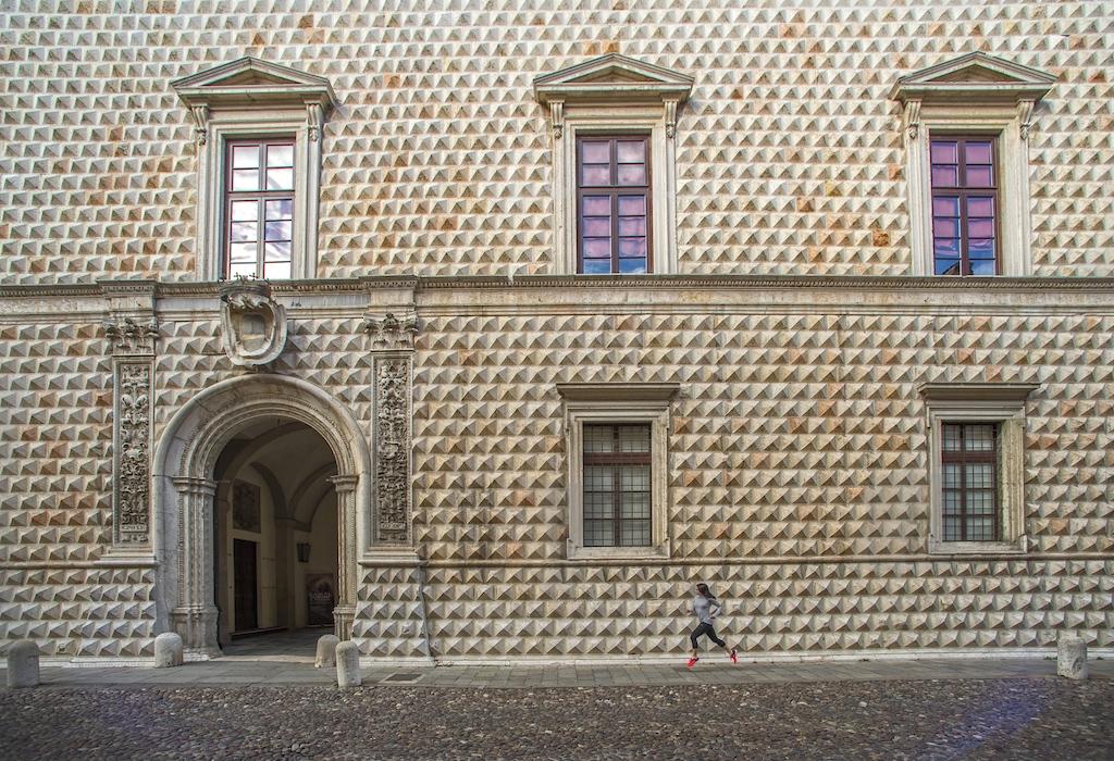 Palazzo dei Diamanti, Ferrara - Running Post