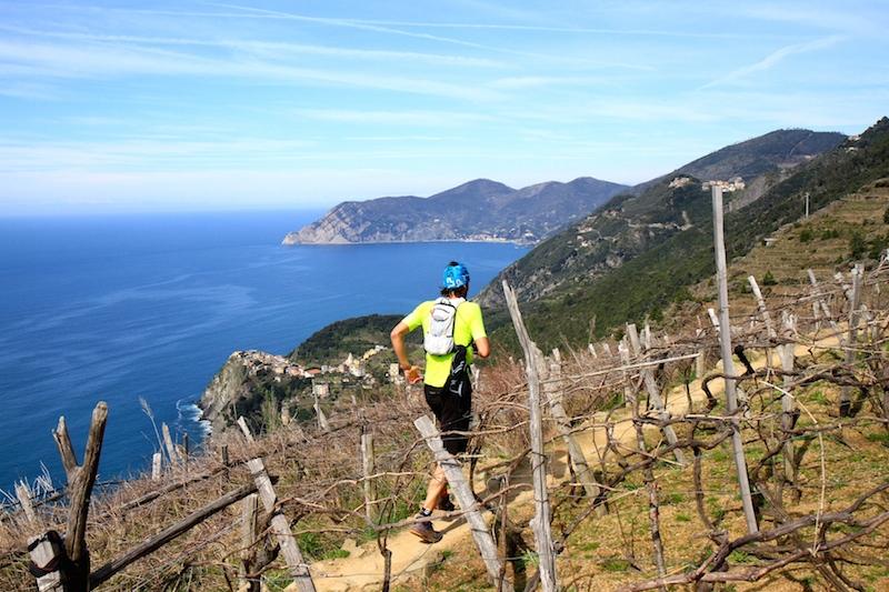 Un passaggio della gara al 37 km, sopra Volastra. Foto by Tommaso Gallini