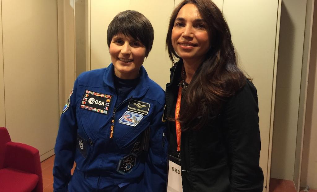 Eccomi con l'astronauta Samantha Cristoforetti intervistata nell'incontro a Bologna del 2015- Foto Running Post