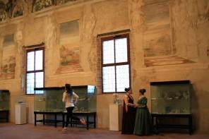 Irene Righetti corre nella Sala delle Vigne di Belrigurado - Foto gallini per Running Post