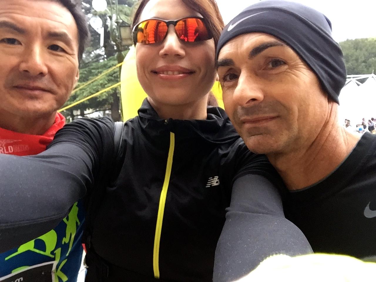 E un selfie prima dello start non ce lo facciamo? Eccomi con Il Yong e Raffaele
