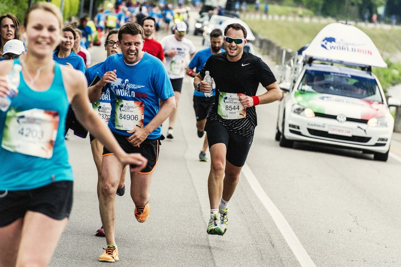 Partecipanti in azione alla Wings For Life World Run - Running Post
