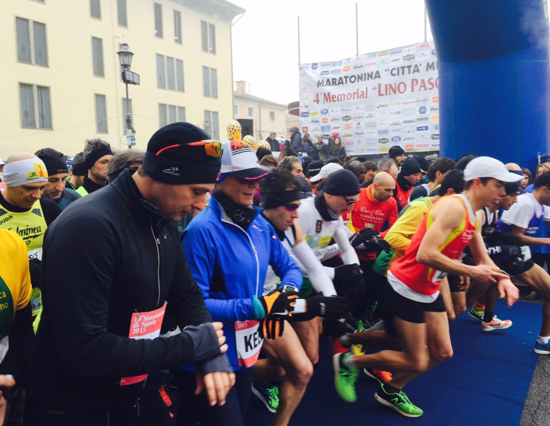 Ecco Kelly Lang allo star della 21 km di Cittadella lo scorso dicembre