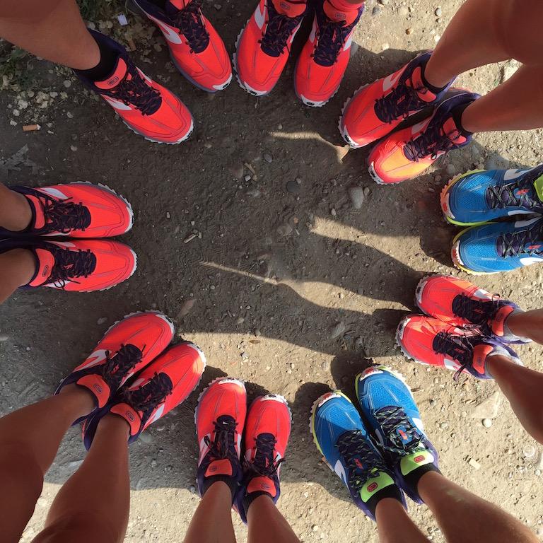 Eccomi insieme al team di trail-runners, un fiore di KipRun