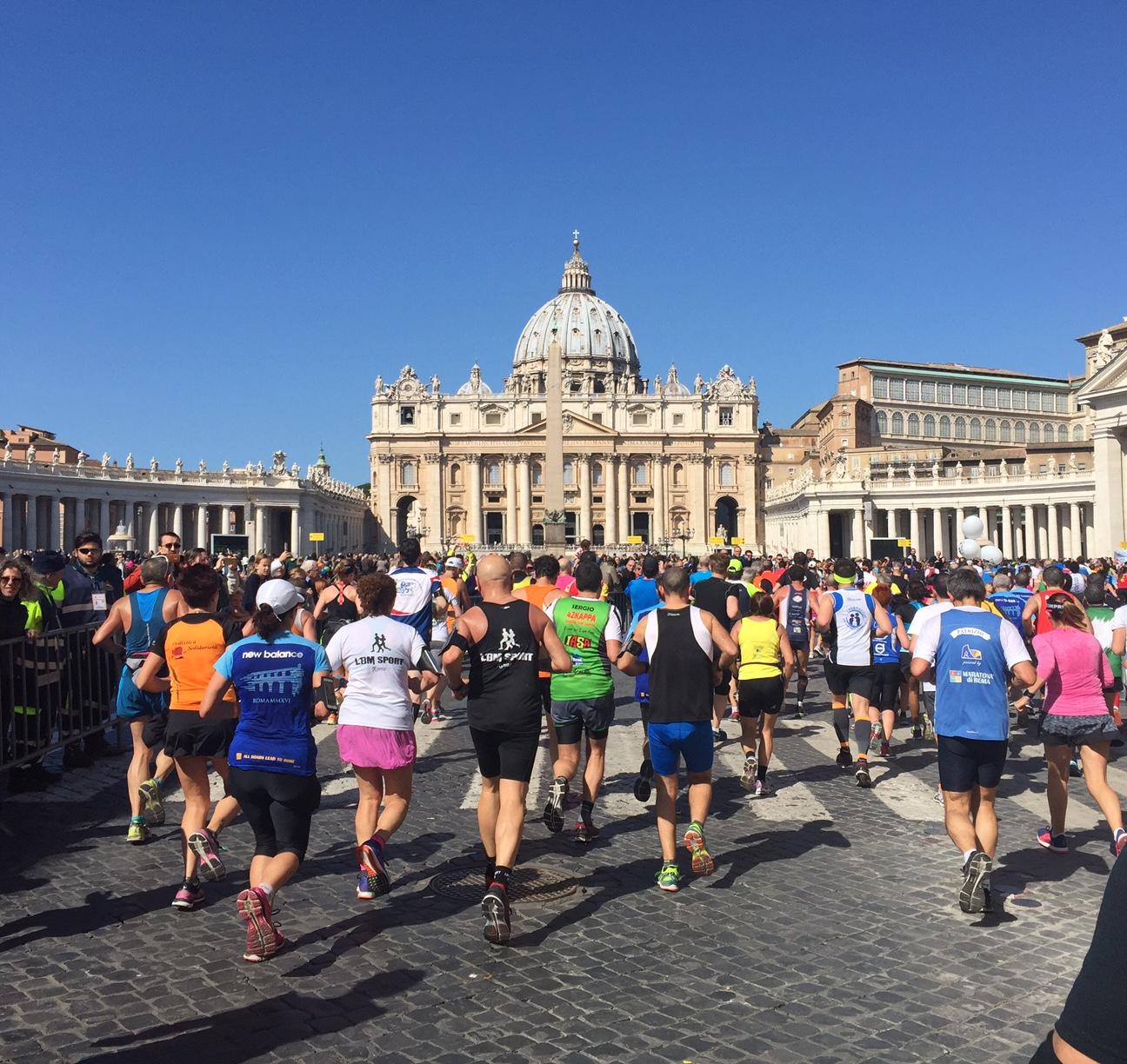 Al 17° km ecco Piazza San Pietro