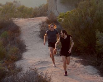 Folco and Michele running in Corral Canyon - Foto di Roko Belic
