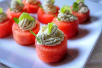 Sfere di anguria con crema di anacardi e aglio - Foto Running Post