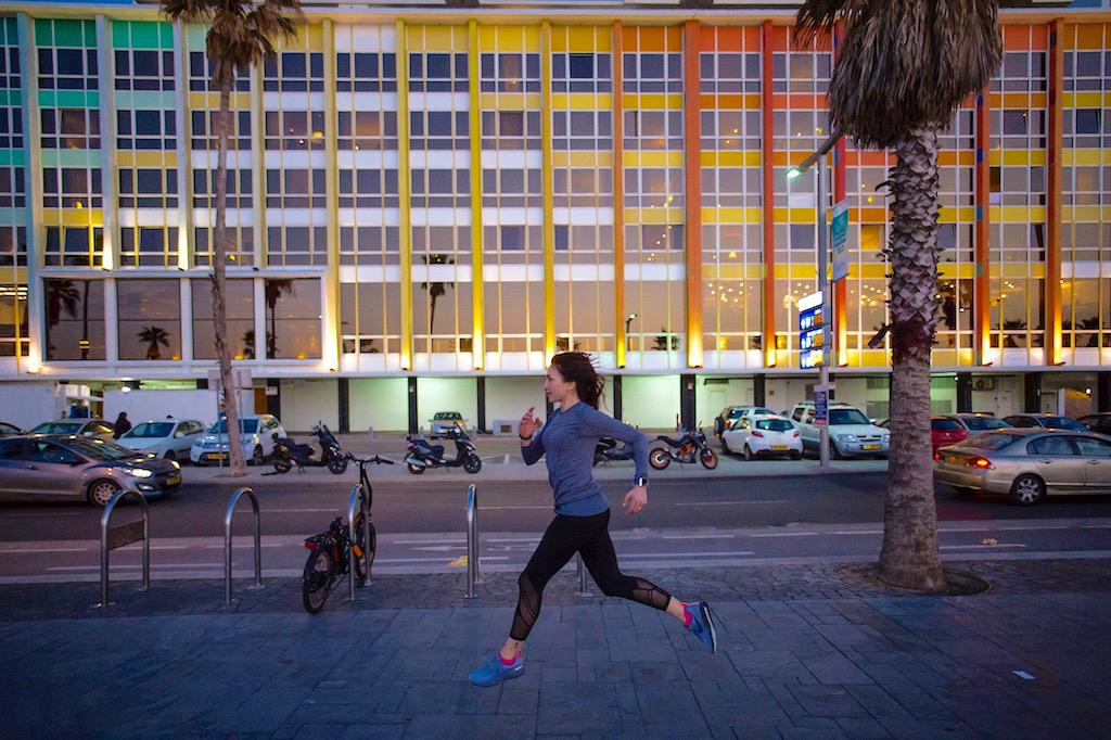 Lungomare Tel Aviv al tramonto
