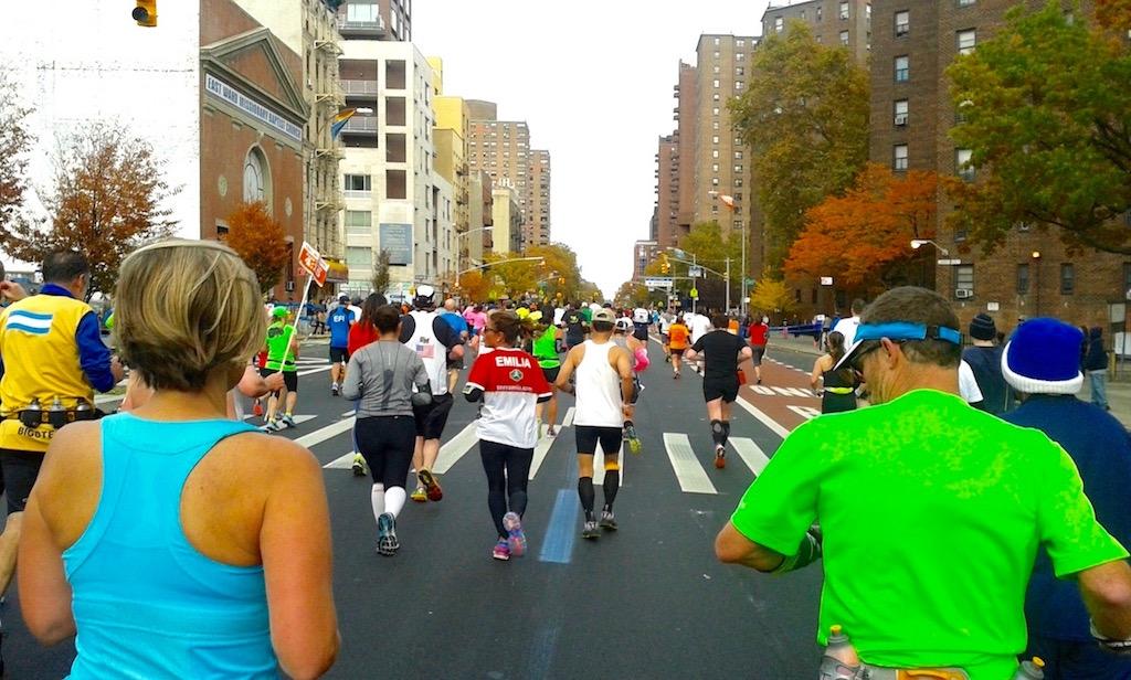 Emilia e Silvia conosciute allo start della maratona di New York 2013 (io ero dietro e le ho immortalate) - Foto running Post