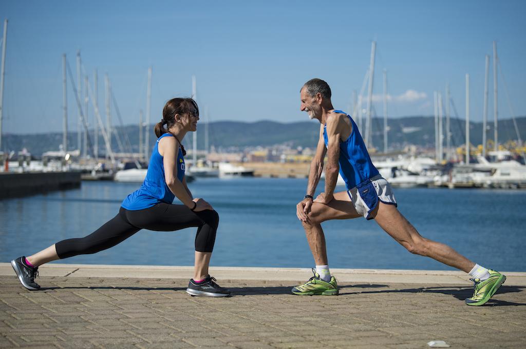 stretching con marco olmo, mujalonga sul mar - foto benini per runningpost