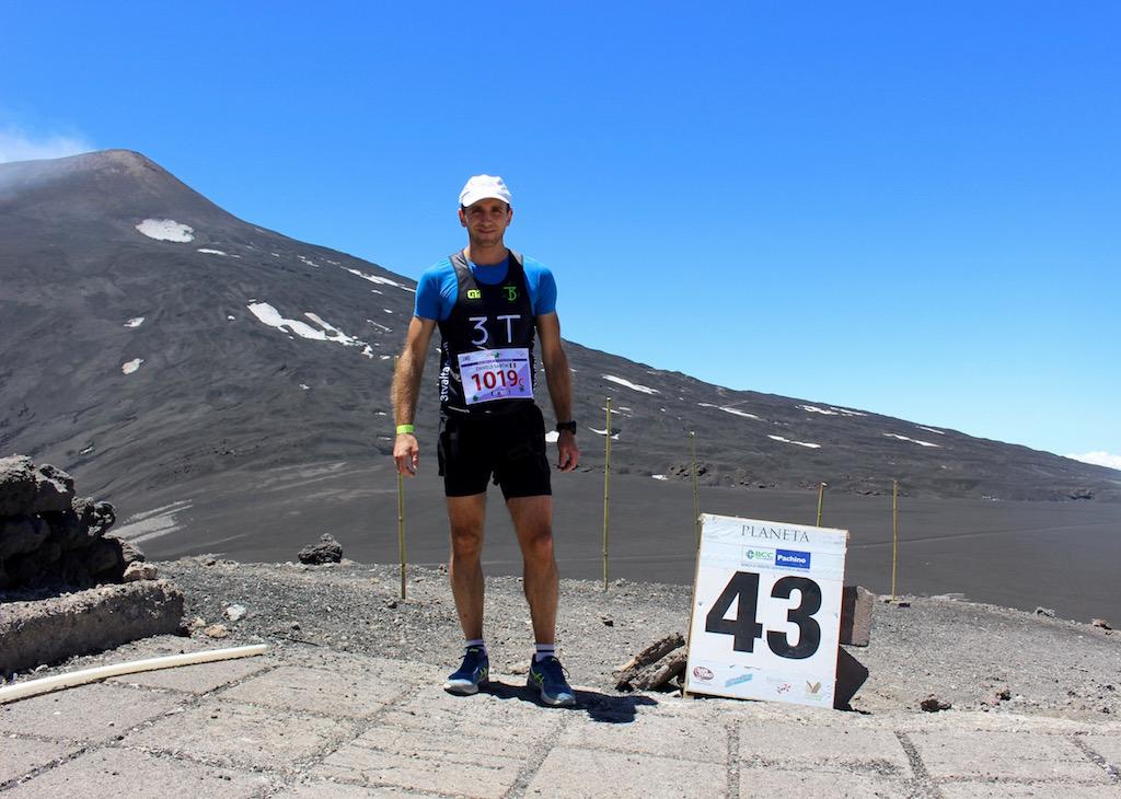 Daniele Santini, impegnato nell'ultimo tratto della staffetta - Foto Running Post