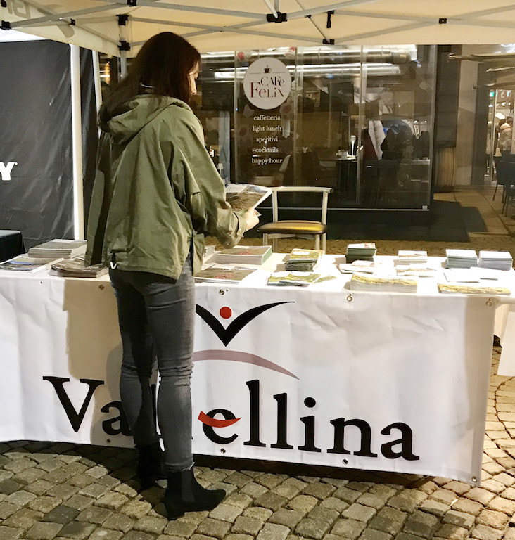 Irene Righetti allo stand Valtellina in occasione del Valtellina Wine Trail 2018 - Running Post