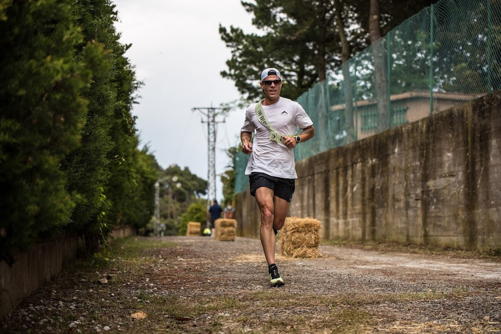 Nicolas in gara, impegnato nella Can Fanga Relays by Nike - www.runningpost.it