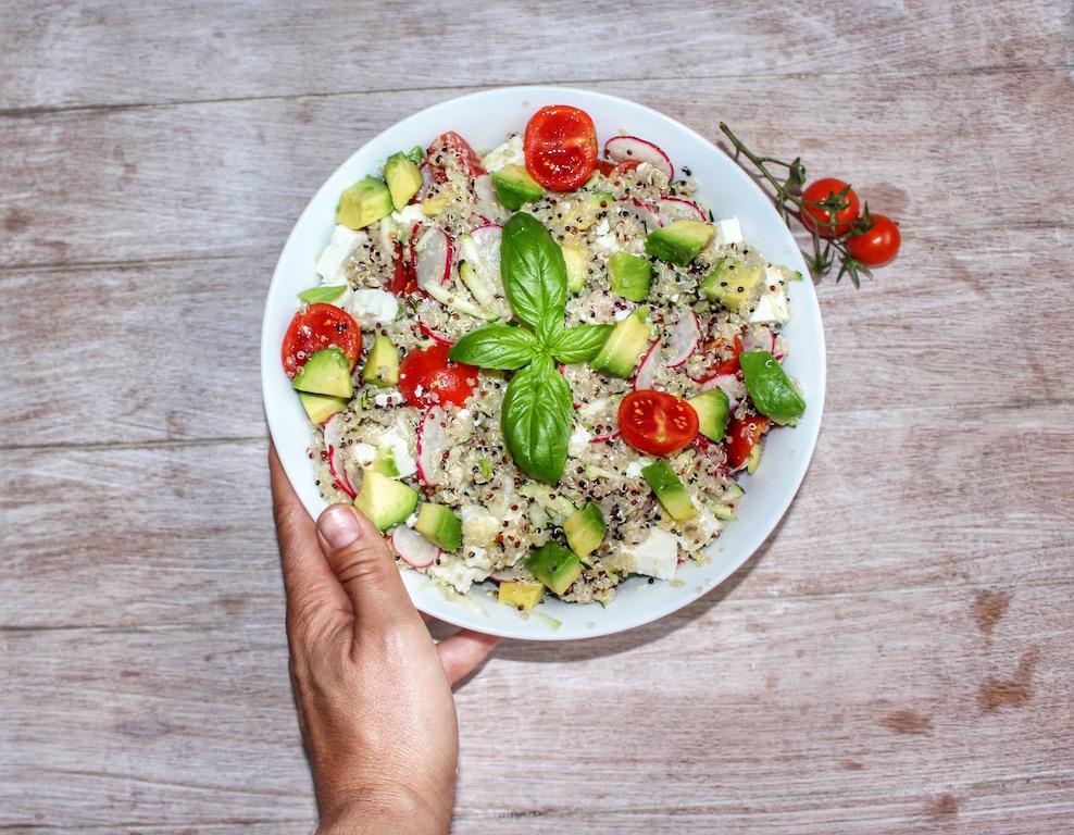 Bowl di quinoa, verdure e feta - copy www.runningpost.it