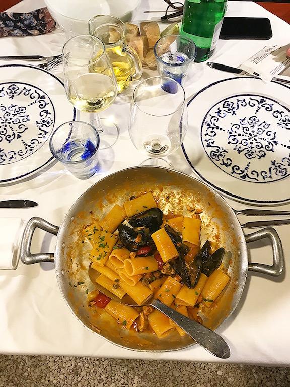 Pasta ai moscioli, una cozza selvatica della Riviera del Conero, del Ristornate Da Silvio di Sirolo - www.runningpost.it