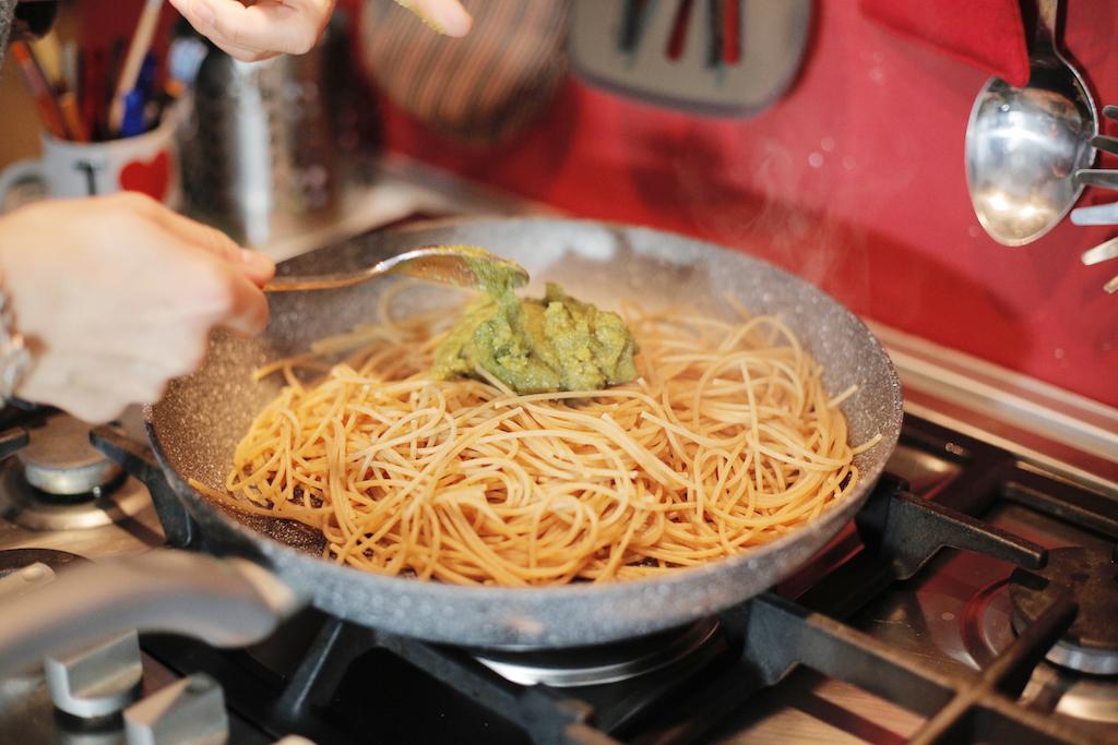 Spaghetti integrali al pesto di noci - www.runningpost.it copia