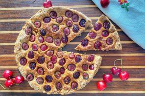 Pizza semi integrale alle ciliegie