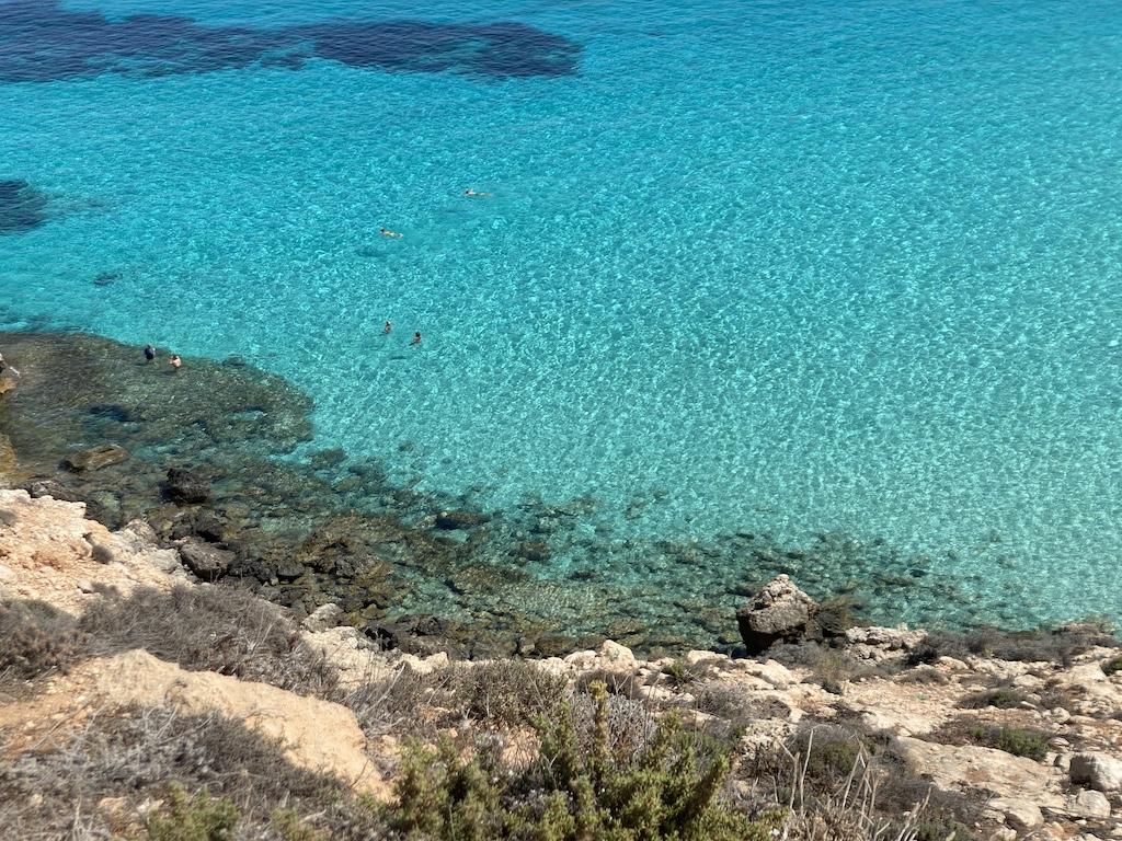 Vista dall'alto Isola dei Conigli Lampedusa - copy www.runningpost.it